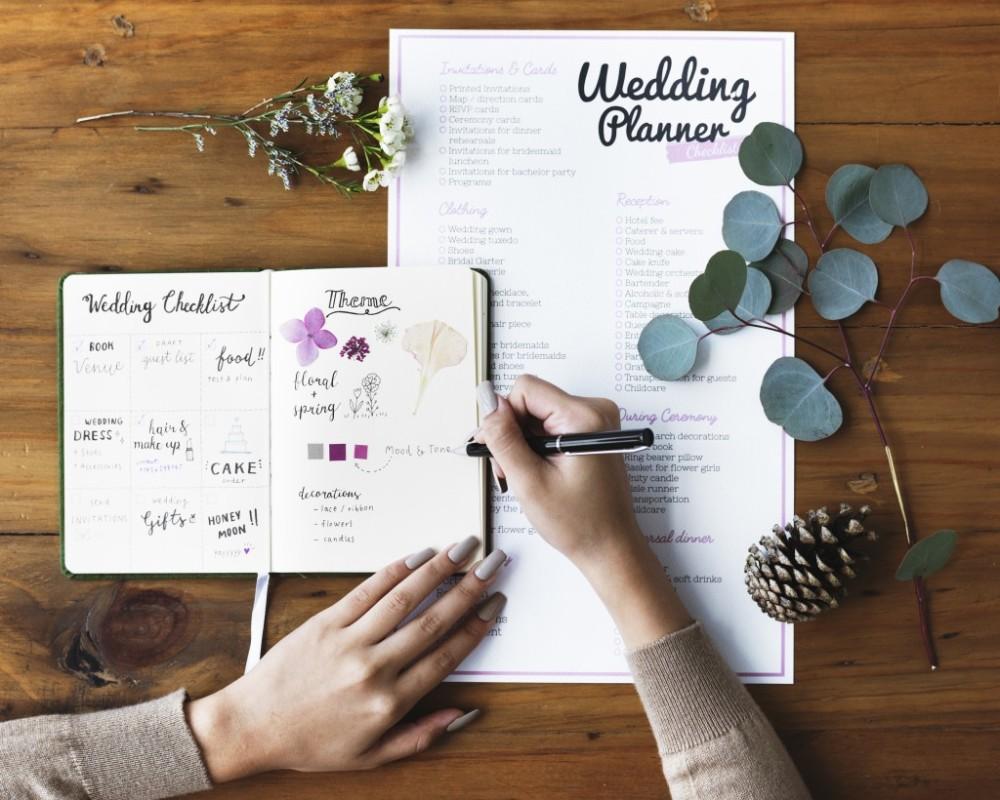 le-coeur-dans-les-etoiles-wedding-planner-provence-luberon-organisation-mariage-alpilles-vaucluse-drome-avginon-cavaillon-1024x820 (1)